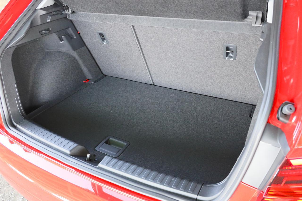 画像3: 【ミニ試乗記】Audi A1 Sportback 35 TFSI Advance