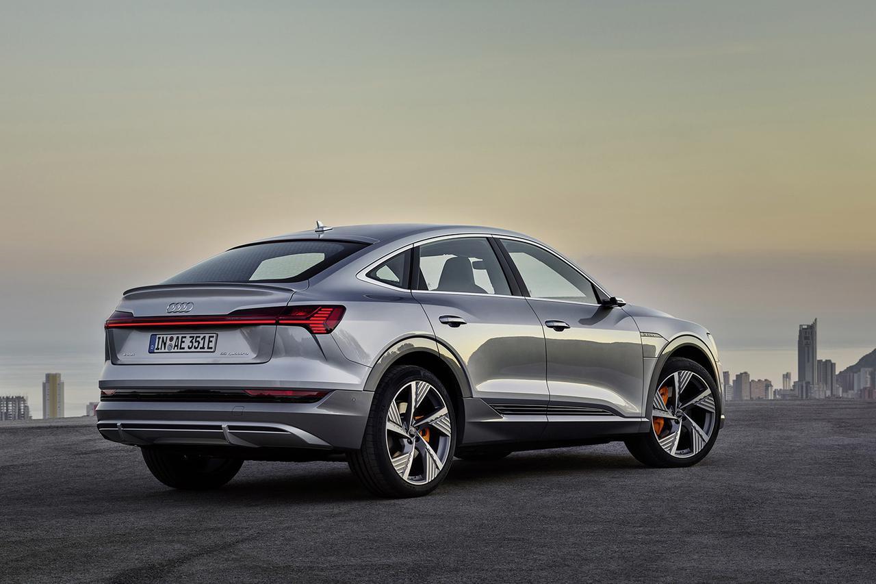 画像4: 「Audi e-tron Sportback」がLAショーでデビュー