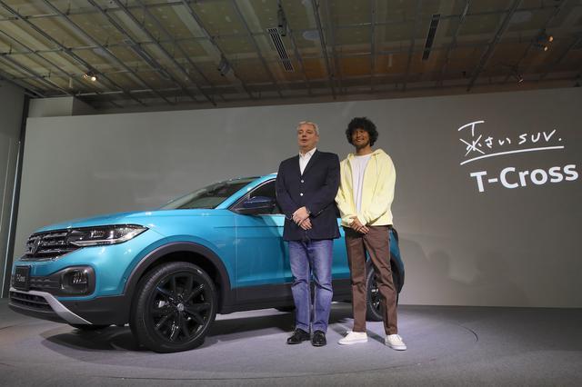 画像: ティル・シェア社長(写真左)とゲストとして登場したモデルの三浦理志さん