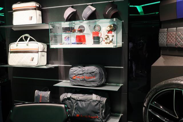画像1: Audi Sportのアクセサリーも充実