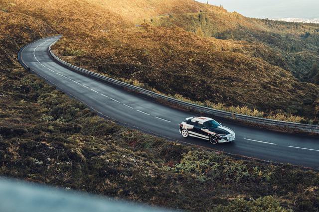 画像12: カムフラージュされた新型「Audi A3 Sportback」の写真公開