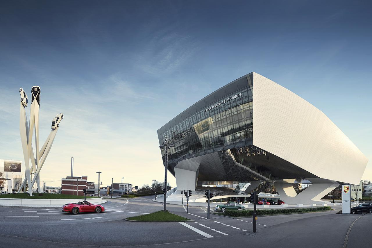 画像: ポルシェミュージアムがデジタルライブツアーを実施