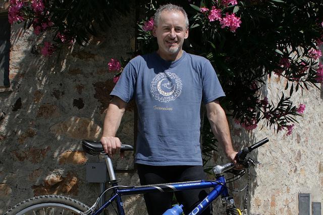 画像: かつてゴルフ2の元オーナー、マウロ・ファレリ氏。ロードバイク2台をいとも簡単に飲み込んだと回想する(写真は2007年撮影)。