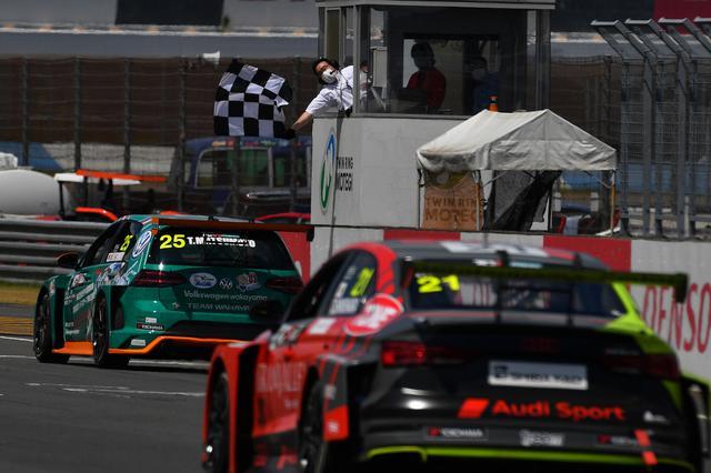 画像5: 【TCRJ Rd.2 MOTEGI】Audiの篠原選手とVWの松本選手がともに1勝挙げる