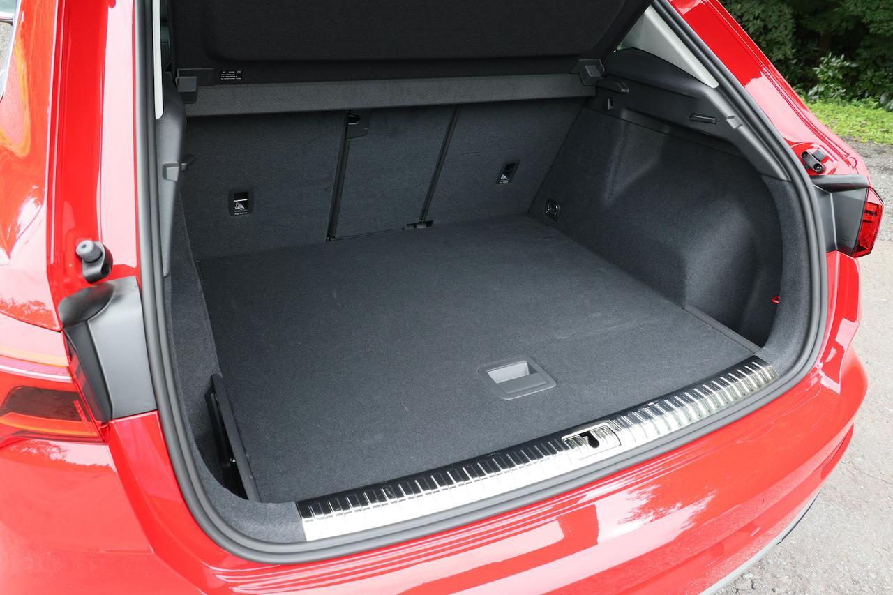 画像: Audi Q3のラゲッジスペース