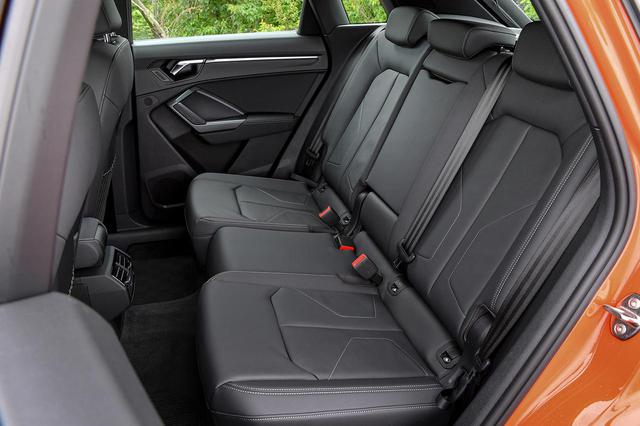 画像: Audi Q3の後席。前後スライドやリクライニングが可能だ (Photo by Audi Japan)