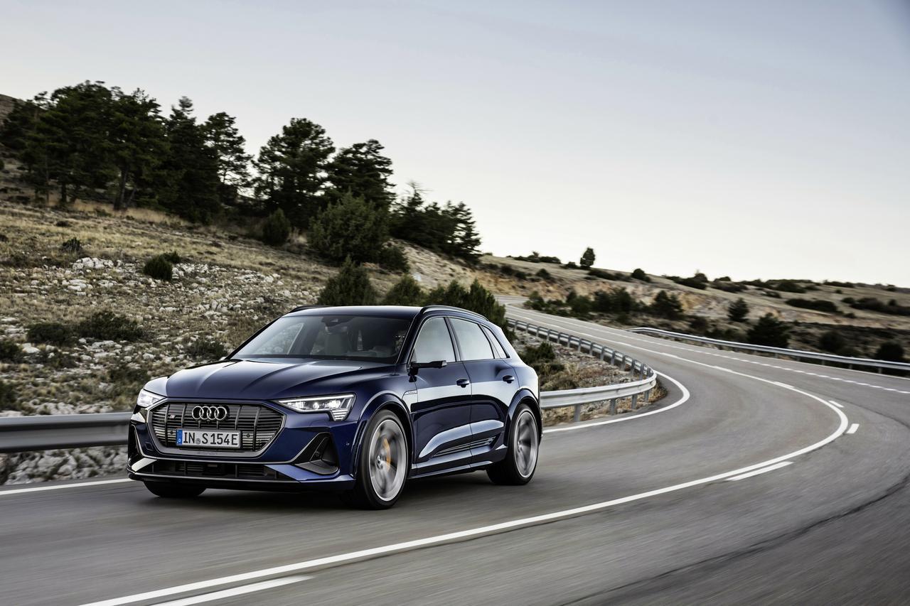 画像1: Audi e-tron S