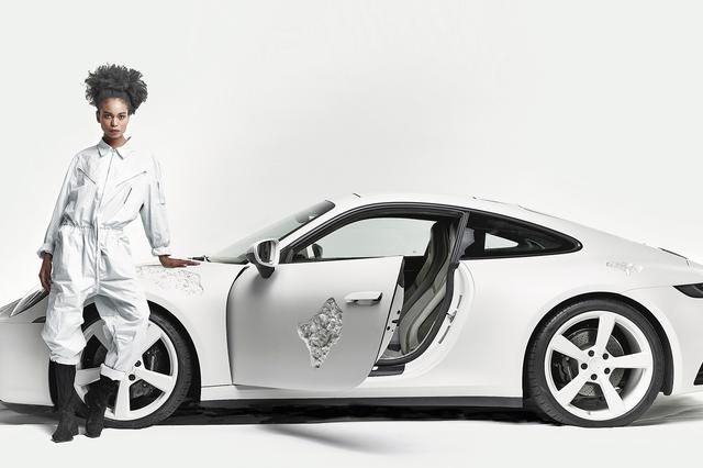 画像1: 「Crystal Eroded Porsche 911」を日本初公開