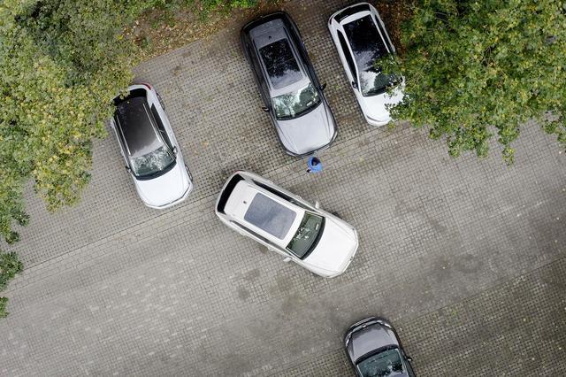 画像2: スマホでリモート車庫入れ可能な「Park Assist Plus」登場