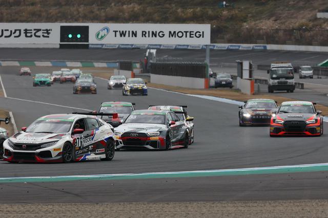 画像3: 【S耐 もてぎ5時間】Audi driving experienceチームが3位表彰台