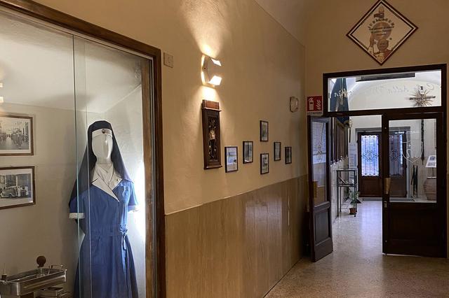 画像: シエナのミゼリコルディア会本部。