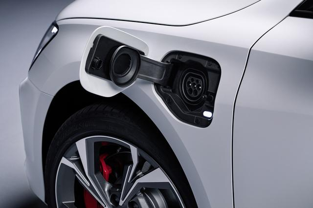 画像5: よりパワフルな「Audi A3 Sportback 45 TFSI e」登場