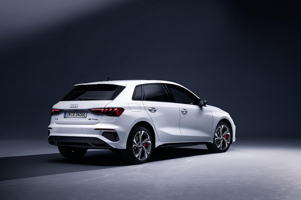 画像2: よりパワフルな「Audi A3 Sportback 45 TFSI e」登場