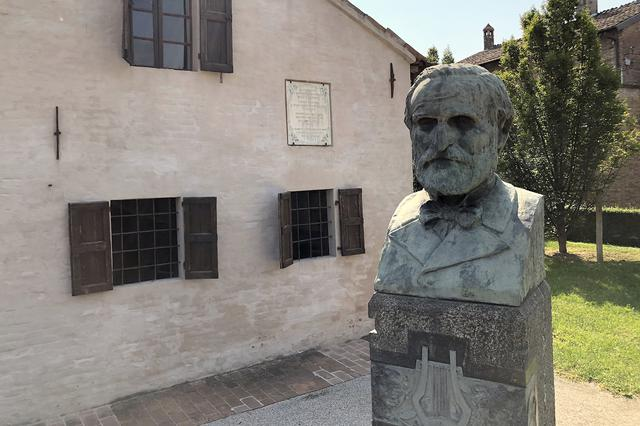 画像: 彼らの民宿から約15分。ブッセート村にある作曲家ジュゼッペ・ヴェルディの生家。