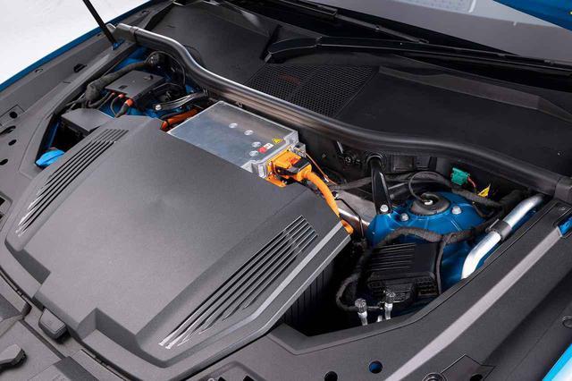 画像2: 「Audi e-tron 50 quattro」を追加発売