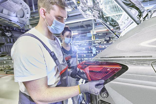 画像2: 「Audi Q4 e-tron」の生産がAudi創業の地でスタート