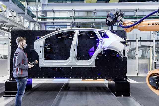 画像2: 「Audi Q4 e-tron」のワールドプレミアは4月14日