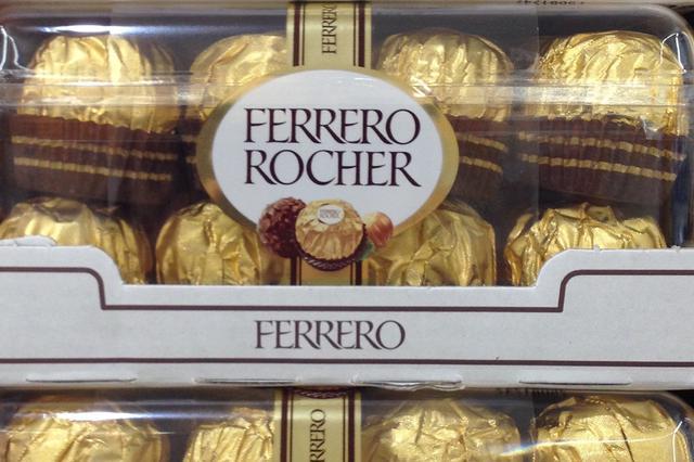 画像: イタリアのスーパーマーケットにて。「フェレッロ」のチョコレート。