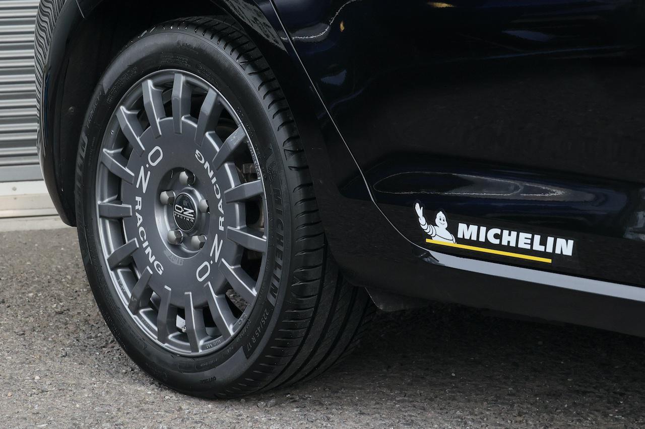 画像: 【e-Golf】新しいタイヤ&ホイールで走りをアップグレード! - 8speed.net VW、Audi、Porscheがもっと楽しくなる自動車情報サイト