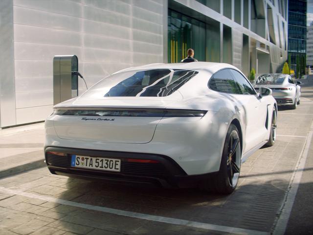 画像: Porsche E-Performance - Charging - ポルシェジャパン