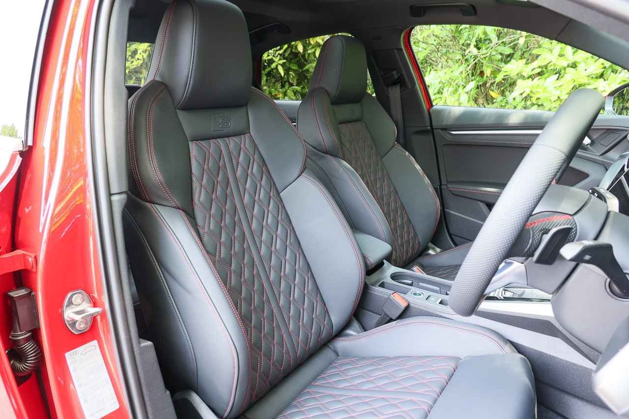 画像7: 【ミニ試乗記】Audi S3 Sedan
