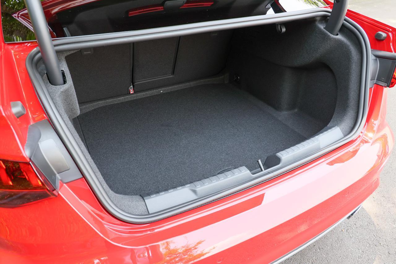 画像9: 【ミニ試乗記】Audi S3 Sedan