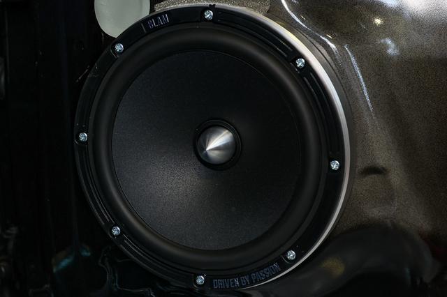 画像1: 【e-Golf】スピーカー交換でサウンドをグレードアップ