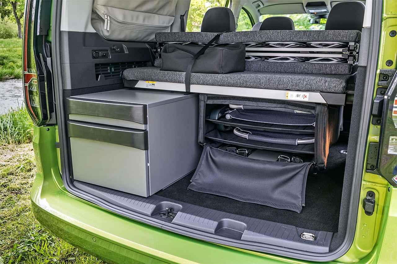 画像: 今回の試乗車には、VW商用車の特別装備リストのほぼすべてが装備されていた。そのため、試乗車の価格は最終的に54,870ユーロ(約718万円)となった。