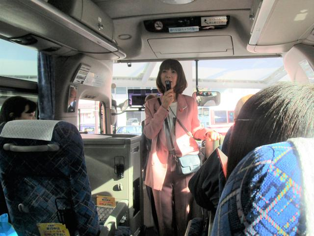 画像: この日のキヨピーは全身ピンク!「イェーイ」と元気な挨拶で参加者の方々を盛り上げます