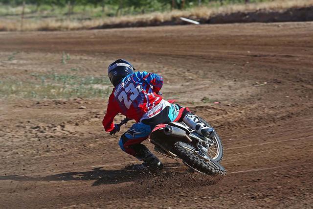 画像2: WILLY IVINS www.superbikeplanet.com