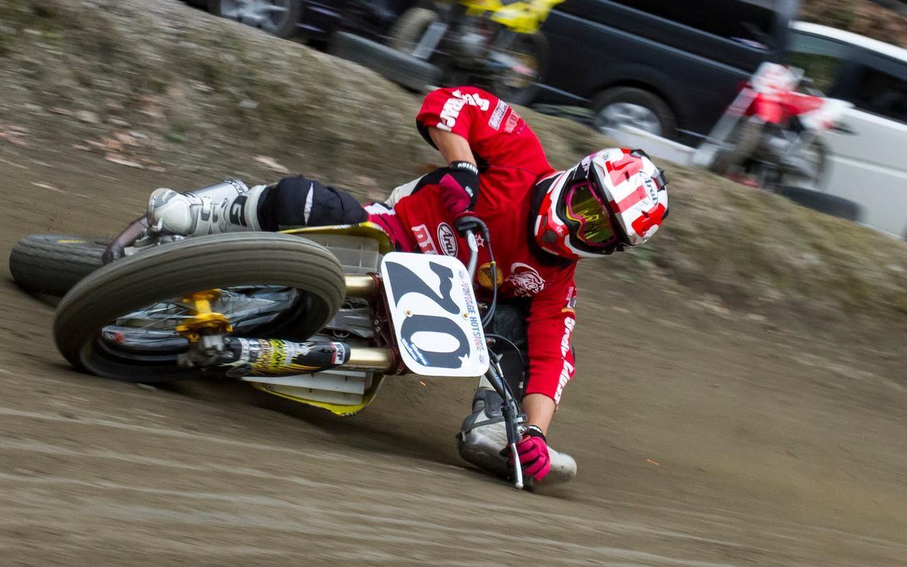 画像: Japanese FLAT TRACK Rider Masa Ohmori #70 Motorcycle Limbo / Superprestigio Dirt Track 出場の大森雅俊 youtu.be