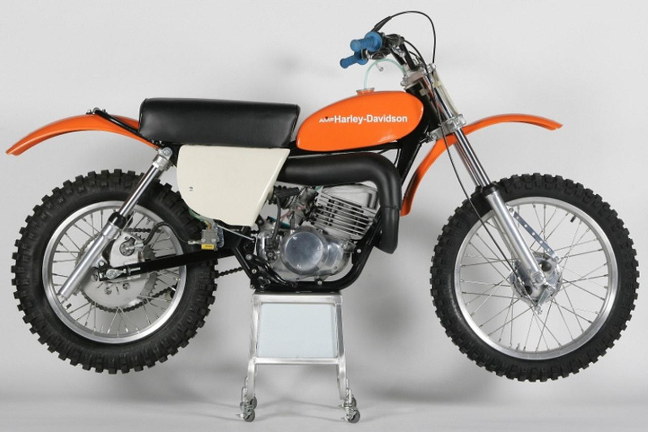 Images : 1番目の画像 - Aermacchi Harley Davidson MX250 - LAWRENCE - Motorcycle x Cars + α = Your Life.