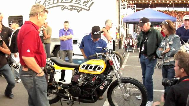 画像: Kenny Roberts and the Indy Mile (2009) youtu.be