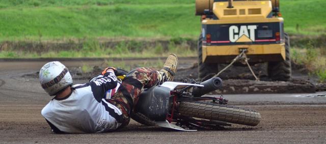 """画像: [Flat Track Friday!!] なんで貴方は転ぶのか?経験豊富でミスらないライダーの走りからは盗み難い""""よくある転倒の傾向と対策""""! - LAWRENCE - Motorcycle x Cars + α = Your Life."""