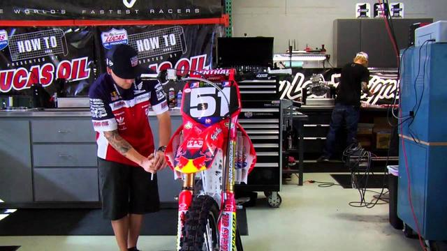画像: How To: Race Prep Your Bike - TransWorld Motocross youtu.be