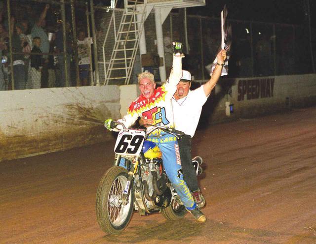 画像: [Flat Track Friday!!] みんなあなたが大好きだった。G.O.A.T. = Greatest Of All Time: ニコラス・パトリック・ヘイデン一周忌。 - LAWRENCE - Motorcycle x Cars + α = Your Life.