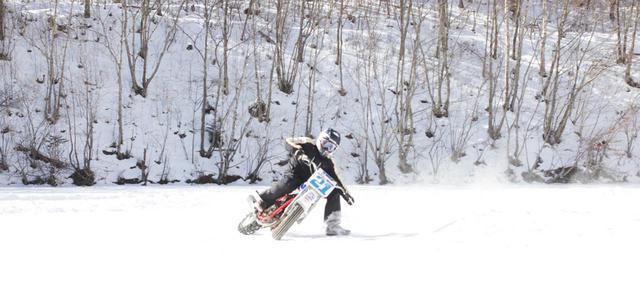 """画像: [Flat Track Friday!!] この冬なにする?目指せハードコア・ダートトラッカー的 """"ウィンターシーズン"""" の貴重な過ごし方アレコレ。 - LAWRENCE - Motorcycle x Cars + α = Your Life."""