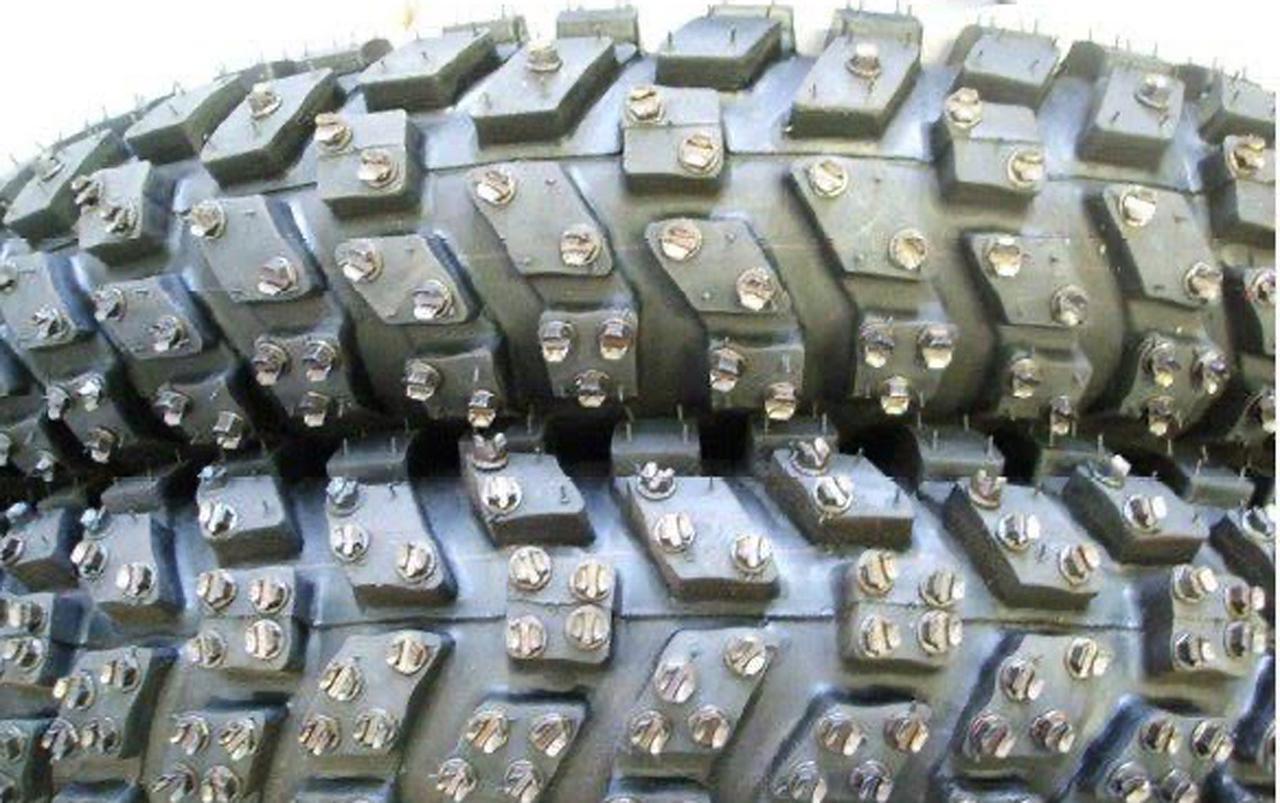画像: トゲトゲしいスパイク付きタイヤで競うスタイルが一般的(?)ですが・・・