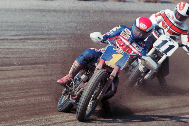 画像: 1988年のライマ・1/2マイル戦。1ババ・ショバートと11スコット・パーカーの攻防。PC: Dave Hoenig