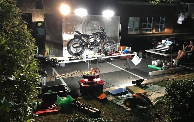 画像3: 緊急整備!明日のレースまでにメインとTカー両方エンジン積み替えるよ!