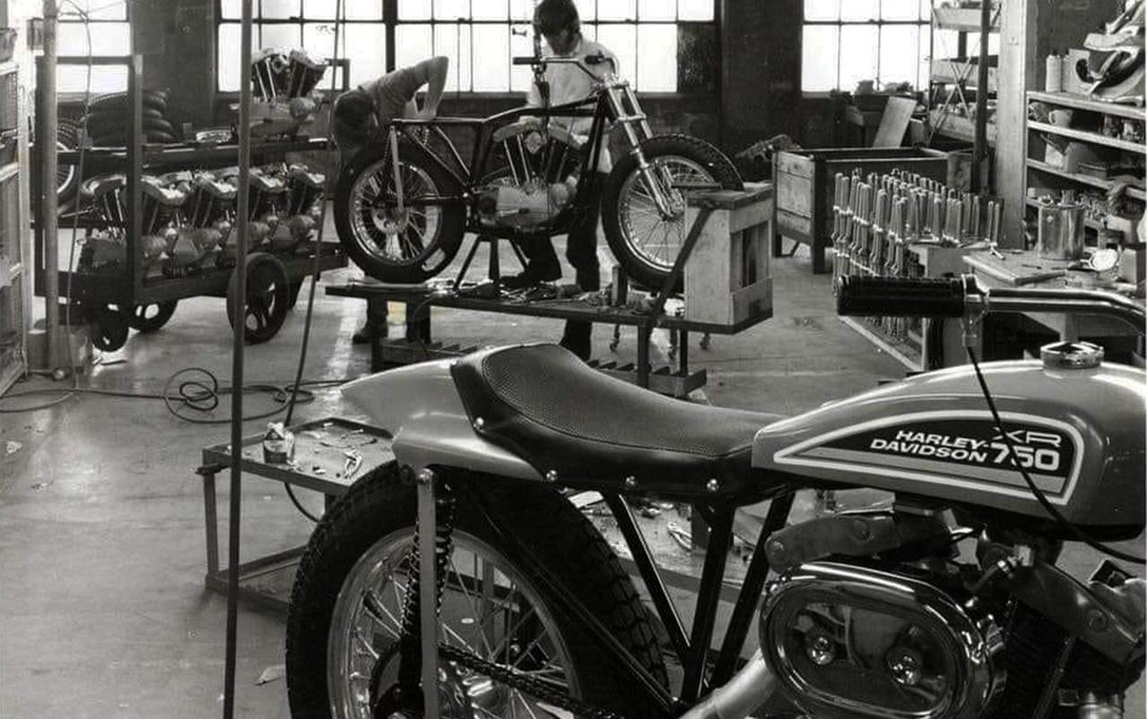 画像: [Flat Track Friday!!] よーしこれからグルグル走り回るぞぉ!と張り切る新入生各位が手に入れたい車両って、いくらくらいですか? - LAWRENCE - Motorcycle x Cars + α = Your Life.