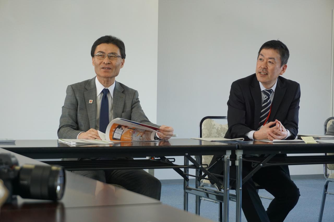 画像: 左から青森観光連盟専務理事 高坂幹氏、事務局長 鈴木耕司氏