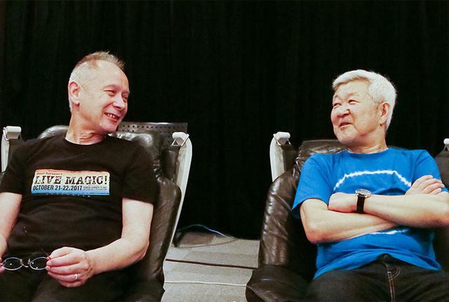 画像: 対談中のピーター・バラカンさん(左)と和田博巳さん(右)