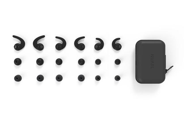 画像: 付属品一覧。イヤーピースは、シリコン製3ペア、低反発フォーム「MAGIC EAR」3ペアが同梱される。加えて、イヤーフック、キャリングケースも同梱される