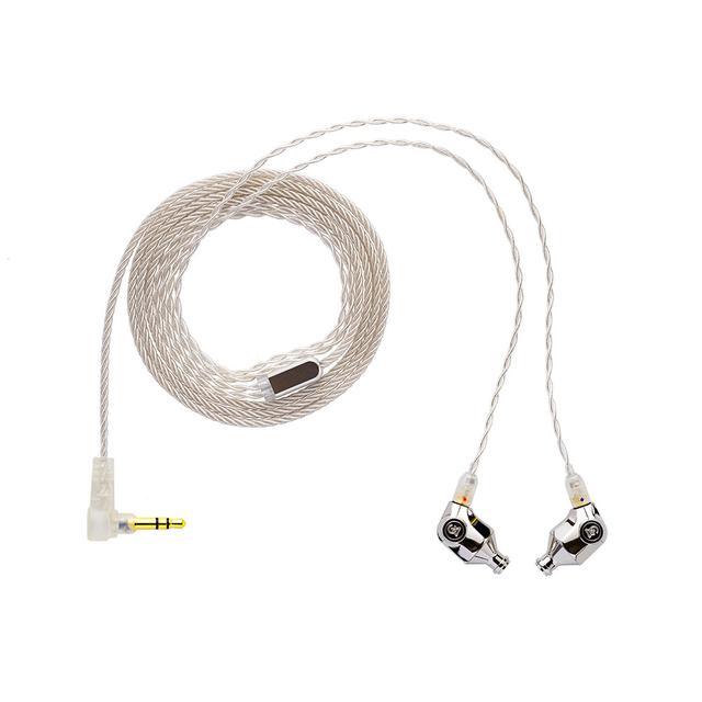 画像: ケーブルには銀導体を使い、こすれノイズを抑制する構造としている。プレーヤー側のプラグは3.5mmステレオミニ