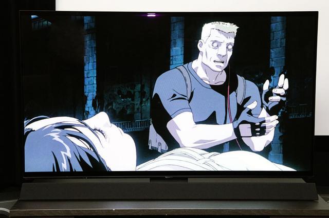 画像: 上映会は、パナソニックの有機ELテレビ「TH-65FZ1000」を使って行なわれた