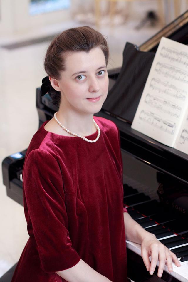 画像: ロシア出身のピアニスト、イリーナ・メジューエワの日本デビュー20周年記念アルバムがハイレゾ3形式で6/20配信開始! | Stereo Sound ONLINE