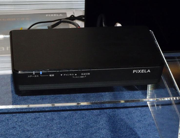 画像: PIXELAの新4K放送対応のSTB「PIX-SMB400」。Android TVやAIアシスタント機能にも対応し、各種映像配信サービスや、音声による操作が行なえる