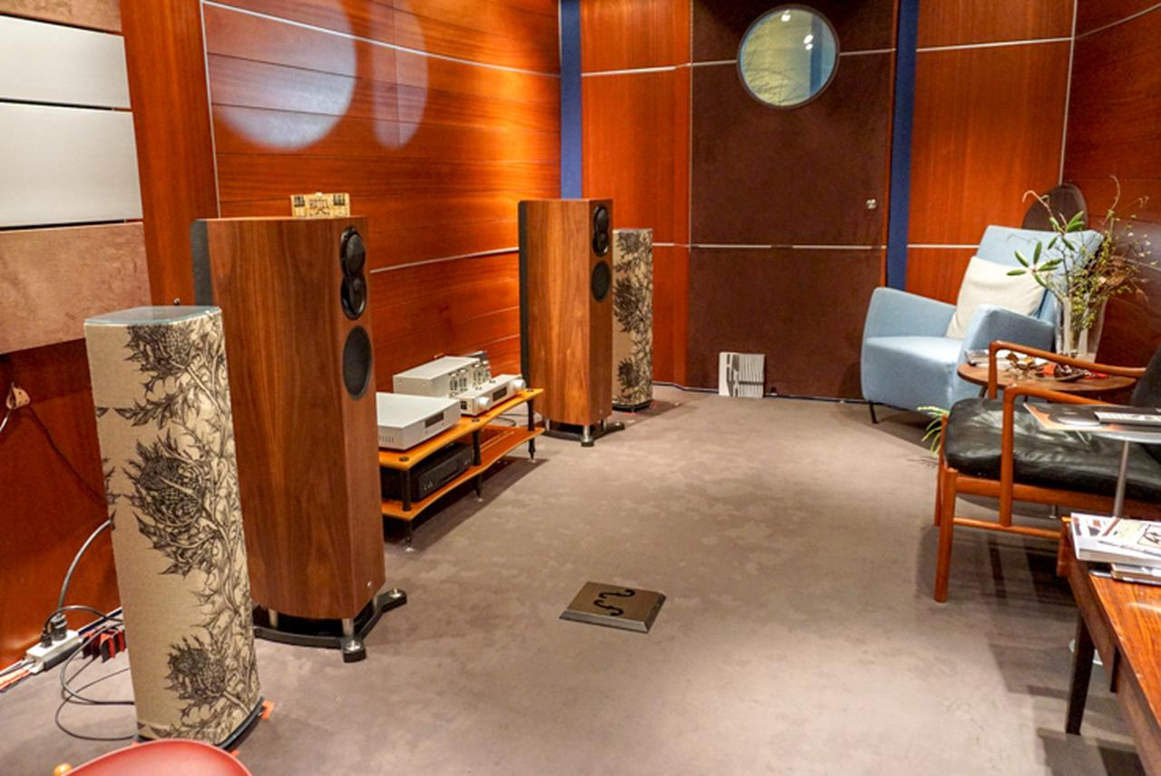 画像: 2Fには専用の試聴ルームを完備。スピーカーはLINN「EXAKT AKUBARIK」と「Series5 520」