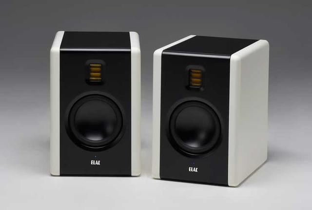 画像: エラックのアクティブスピーカー「AM200」は使ってみる価値あり。高レスポンスで明瞭、中低域の表現が魅力的